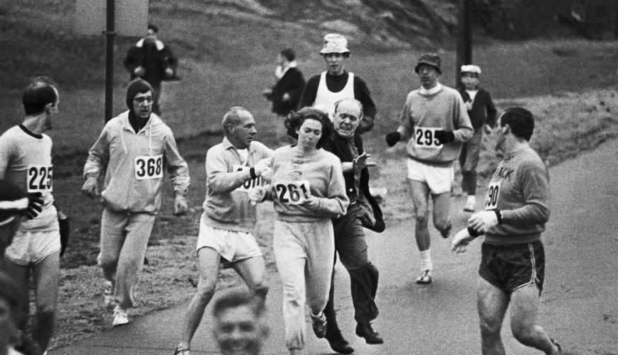 La primera mujer en correr un maratón. (1/2)