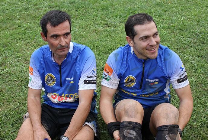 Ivan y Albert descansando   después de la llegada del Sensei en la Puigsacalm