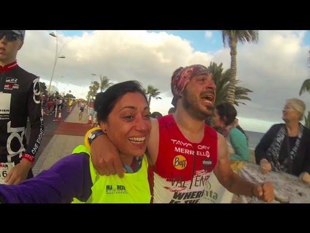 Llegada del Ironman de Lanzarote de Valenti con su hermana