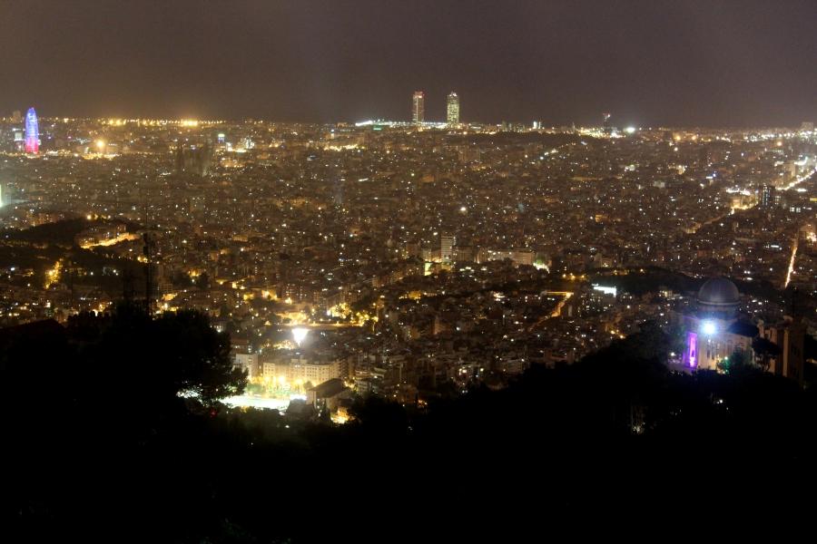Barcelona de noche desde La Ctra. de Les Aigues