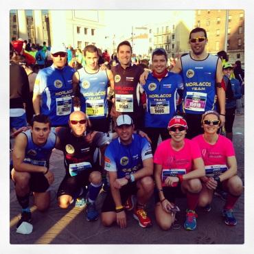 El Morlacos Team antes de la salida del Marato de Barcelona 2014