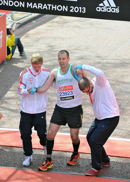 Llegada de un participante en el maratón de Londres