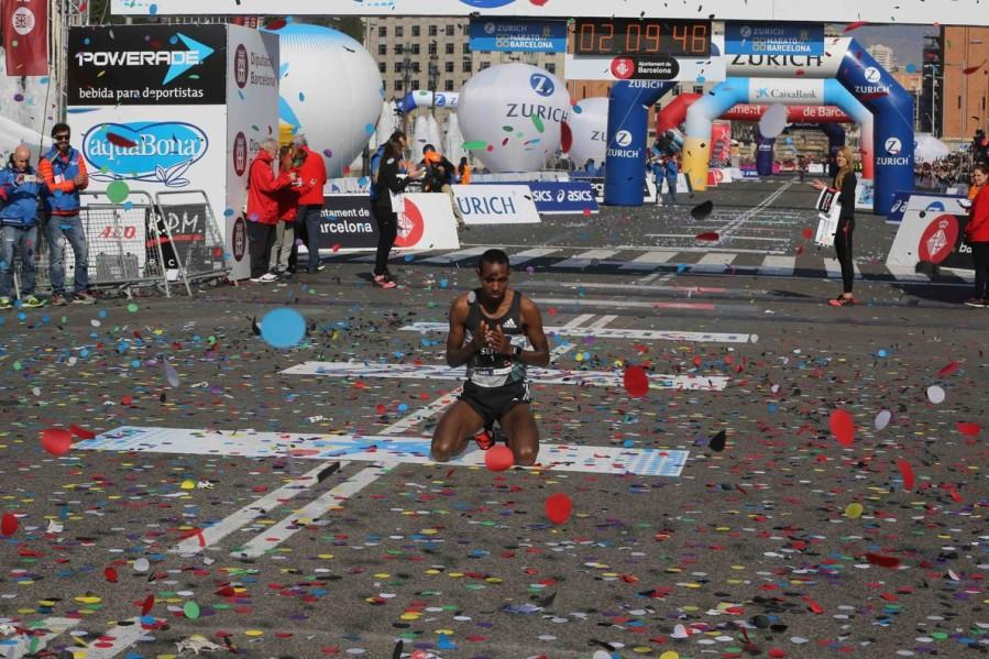 ganador-del-maraton-marcelona-2016-dino-sefir-1457867353247