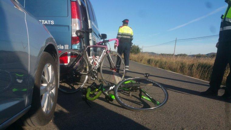 imatge-de-les-dues-bicicletes-de-les-ciclistes