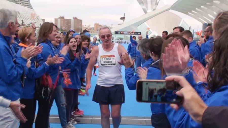 sido-llegada-ultimo-participante-maraton-valencia-1_g